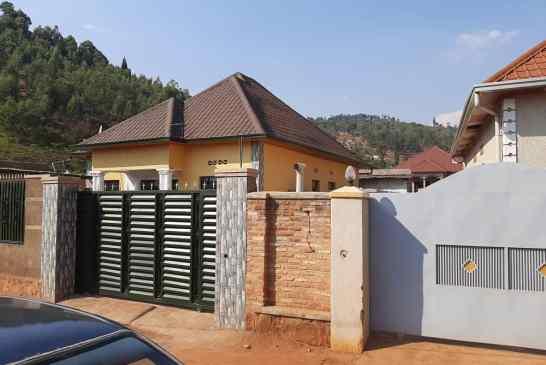 Inzu igurishwa i Kigali, mu izindiro  kuri 39,000,000Frw  (Iyi nzu yaguzwe ntikiri ku isoko)