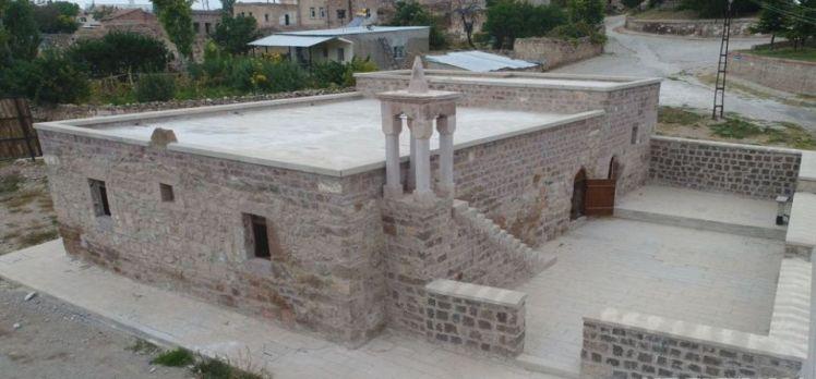 Kayseri Kocasinan'daki 8 asırlık cami restore edildi