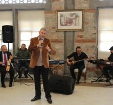 Kocaeli'de Gölcüklü sanatçılara moral konseri