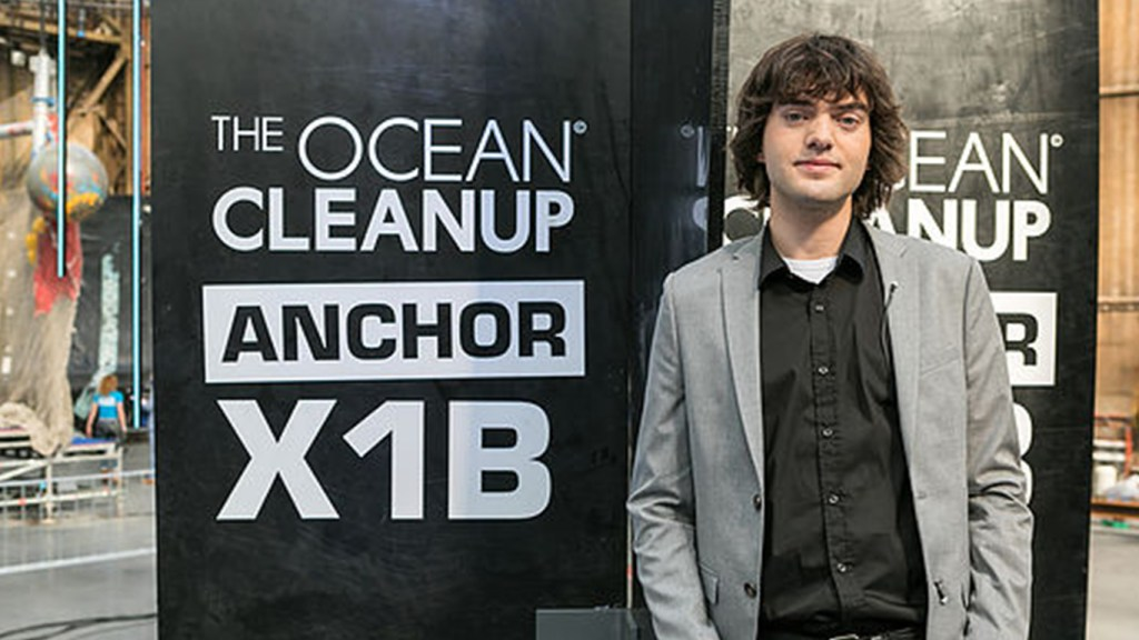 Largest ocean cleanup project by a 22 year old to be deployed by 2018