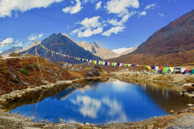 How many lakes do you plan to visit on your next trip to Tawang?