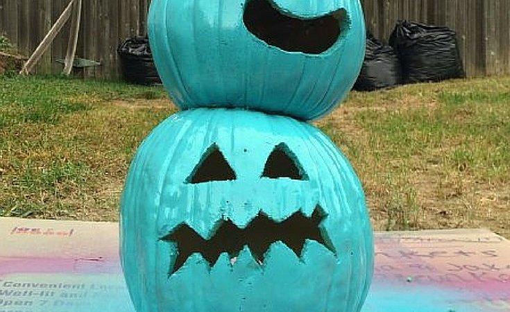 Teal Pumpkin Project Pumpkins via muddybootsanddiamonds.com