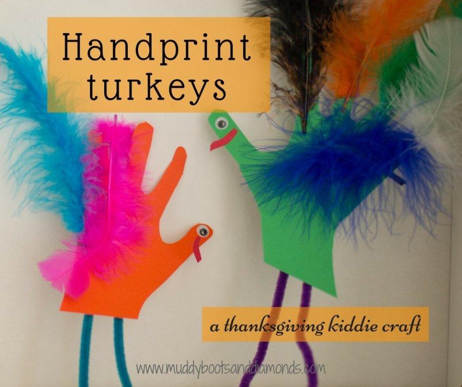 Handprint Turkeys a thanksgiving kiddie craft via muddybootsanddiamonds.com