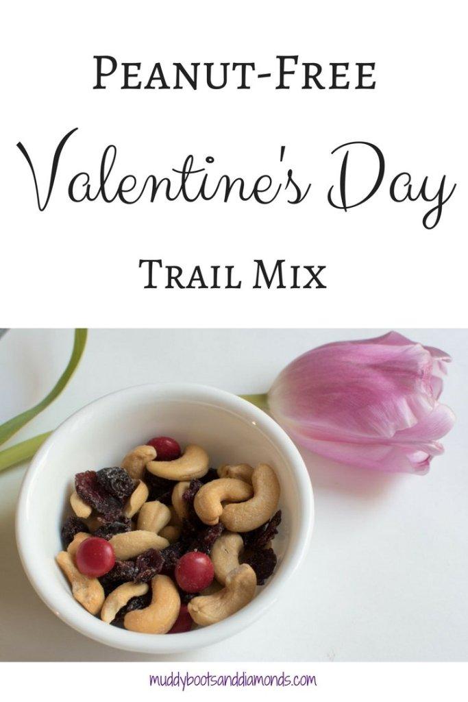 Trail Mix that is peanut allergy friendly! | Peanut-Free Trail Mix via muddybootsanddiamonds.com