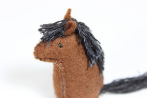 Fable the Little Felt Horse | MudHollow.com