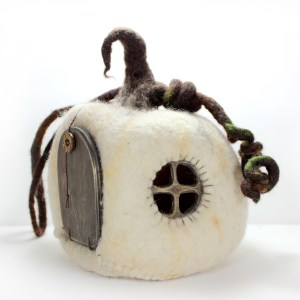 My Little Felt World - White Pumpkin House | MudHollow.com|