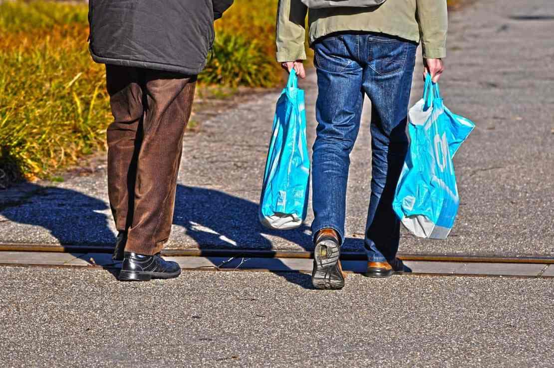 За 1 минуту используются 1 млн. пластиковых пакетов