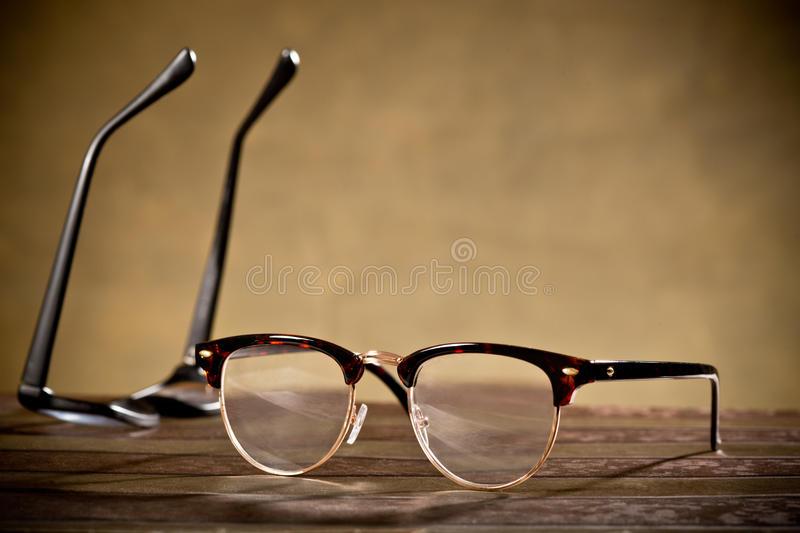 zwei-brillen-55849308