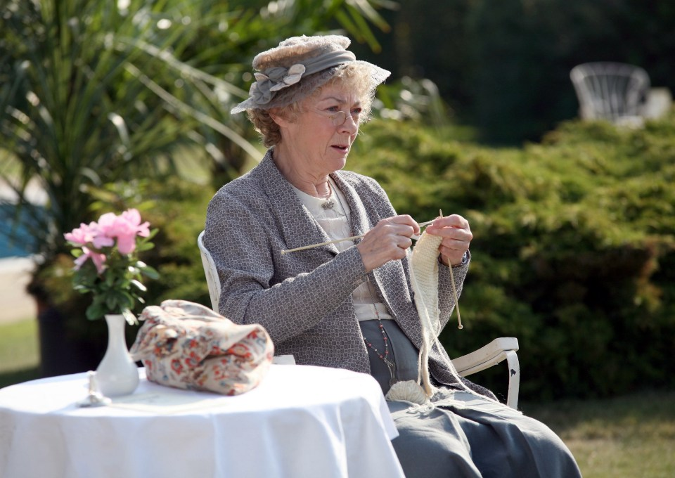 Picture shows: GERALDINE McEWAN (Miss Marple).