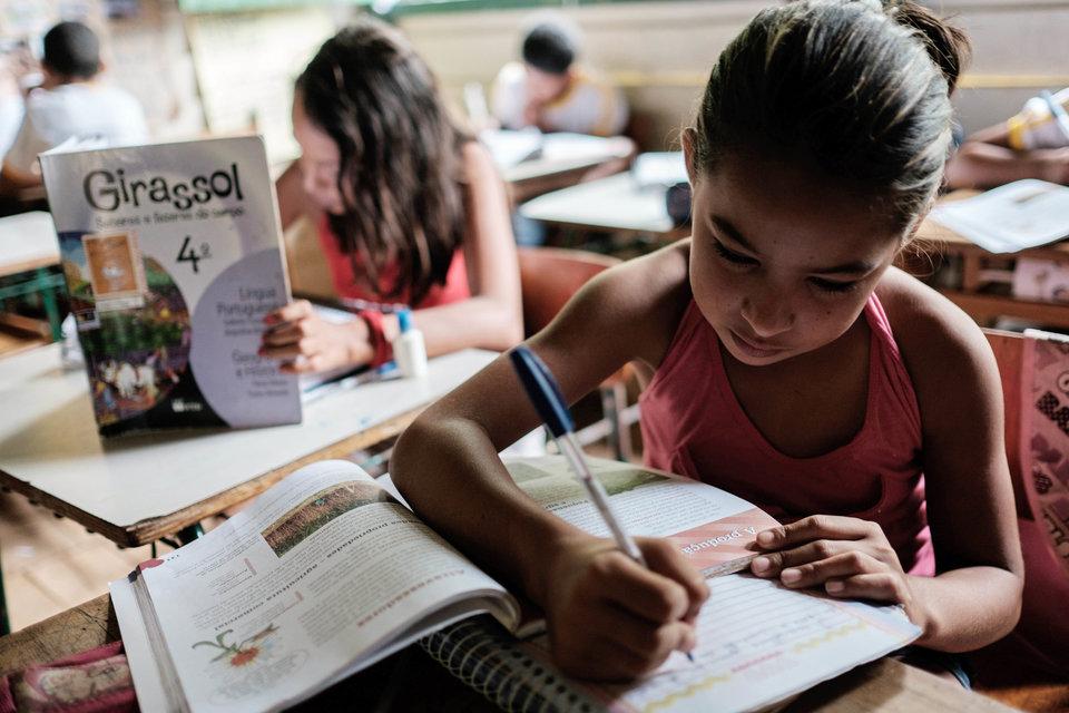 Djevojčica u školi u Brazilu, Yasuyoshi Chiba/AFP/Getty Images