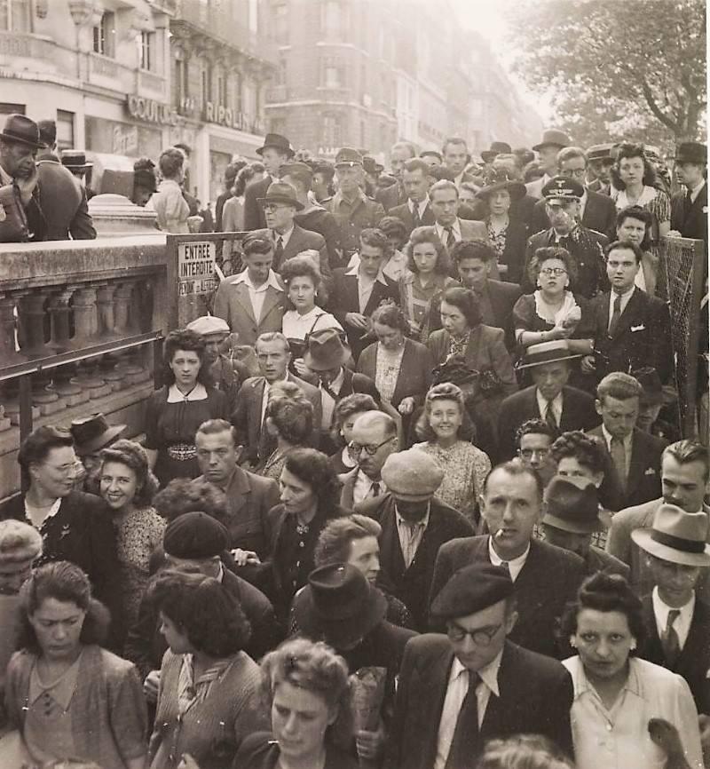 Ulaz u pariški metro, Roger Schall, 1943.