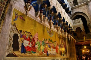 inside-Church-of-the-Holy-Sepulchre