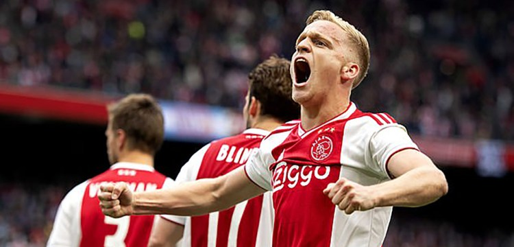 Donny Van De Beek Brought To Attack Taking Number 34 Was An Emotional Tribute