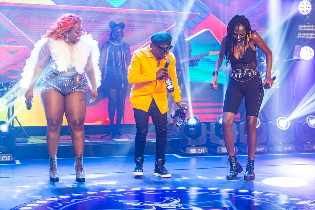 Winnie Nwagi & Azawi put on enthralling performance at Club Beatz finale 1 MUGIBSON WRITES