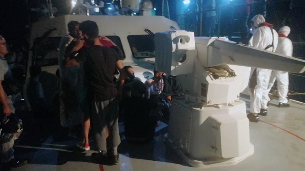 Yunan karasularında batan teknedeki 18 sığınmacı kurtarıldı