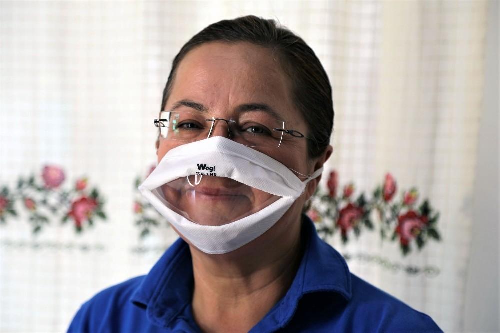 Büyükşehir'den işitme engelliler için şeffaf maske