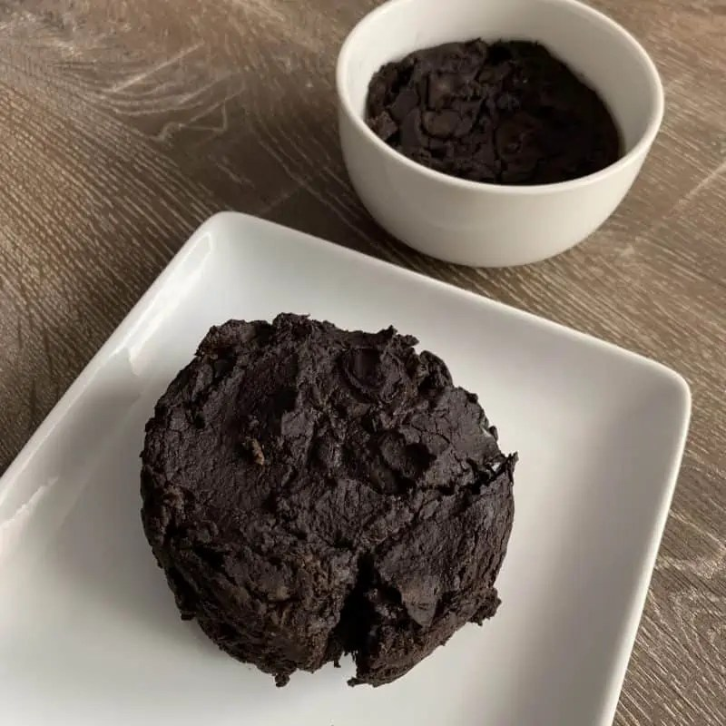 vegan mug brownies on a plate and in the bowl