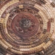 qutub-minar-cupola-interioara.jpg