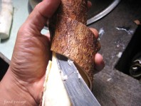 how-to-peel-cassava-tapioca
