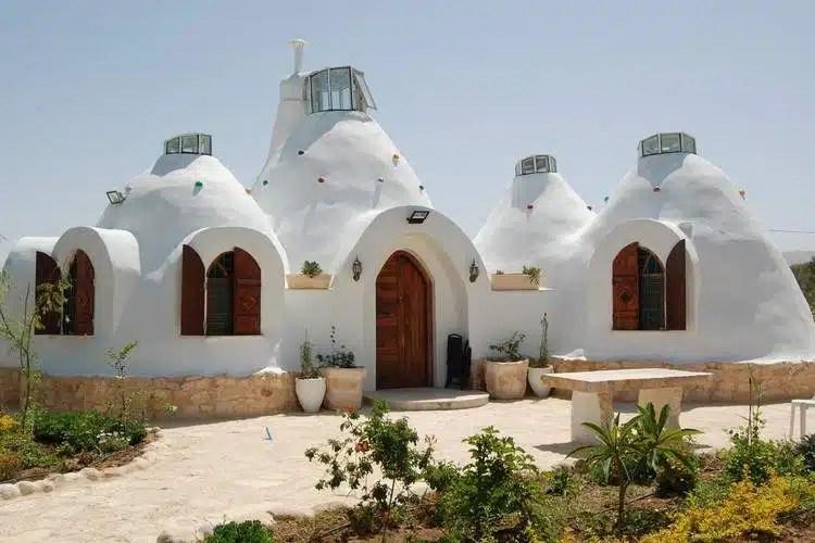 Casas ecológicas desde 150 euros. La técnica del superadobe