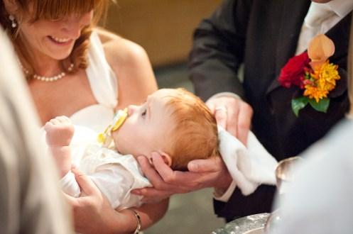 Es macht viel Sinn die Taufe gleich mit bei der kirchlichen Hochzeit zu planen