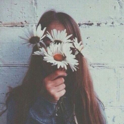 alternative-flowers-girl-grunge-Favim.com-2446034