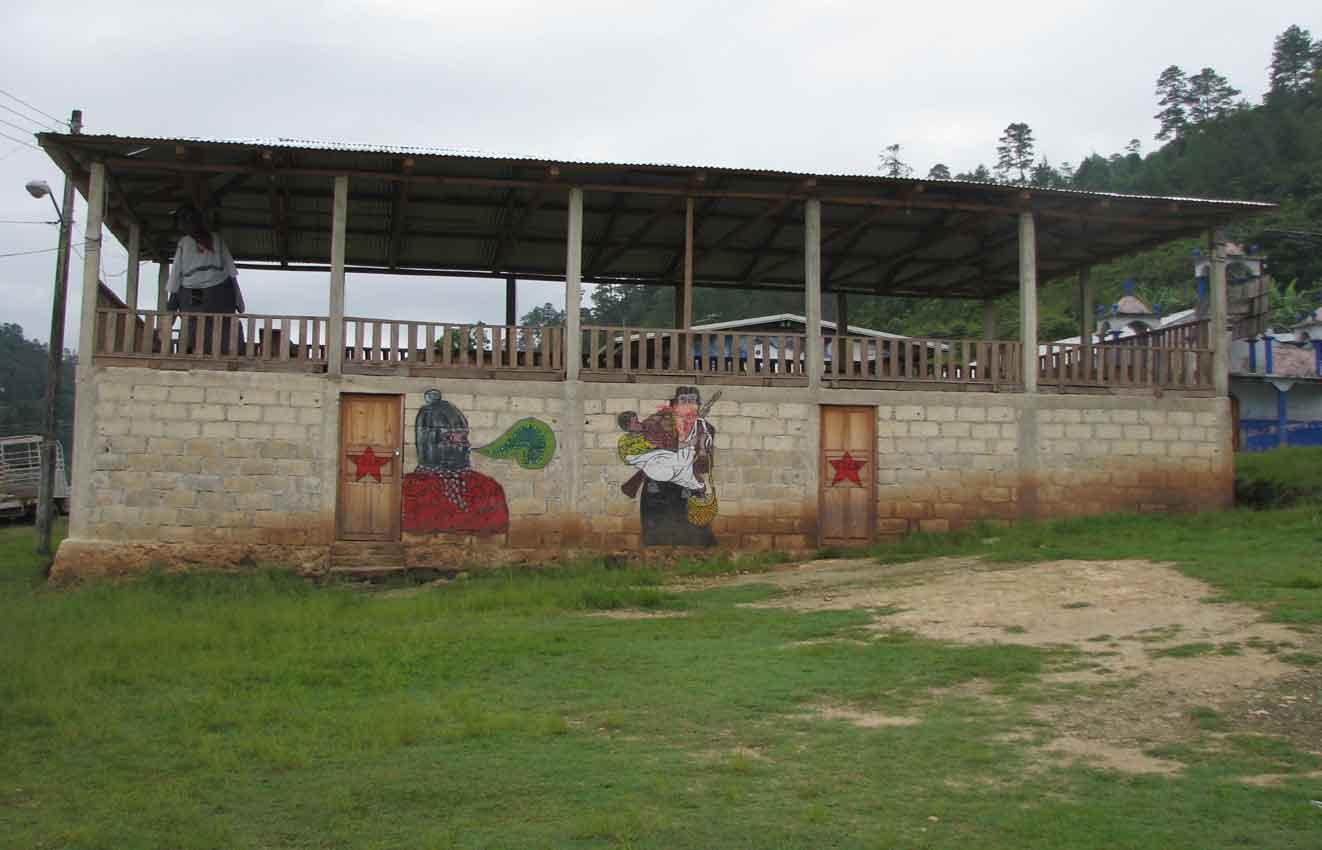 Mujeres zapatistas de la garrucha hablan con la caravana - Trabajo en garrucha ...