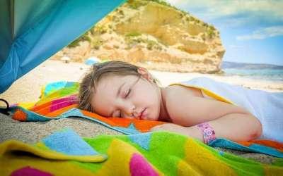 Cómo ayudarles a dormir la siesta