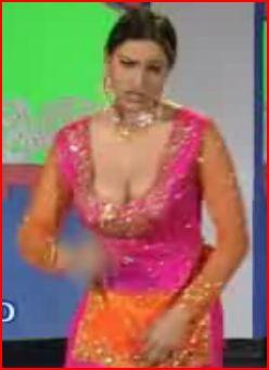 Saima Khan stage dancer