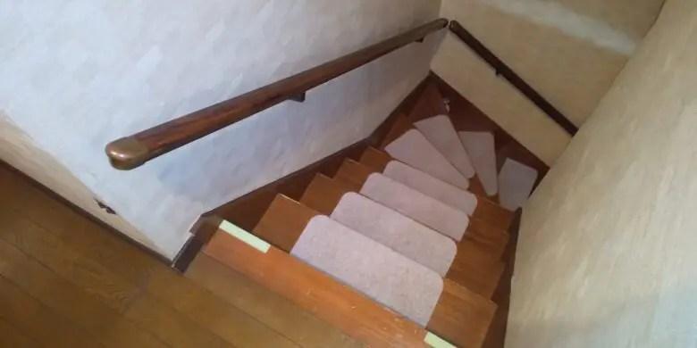 中古住宅を選ぶ時の注意点。階段の手すりの有無、後付け可能だが注意点もある