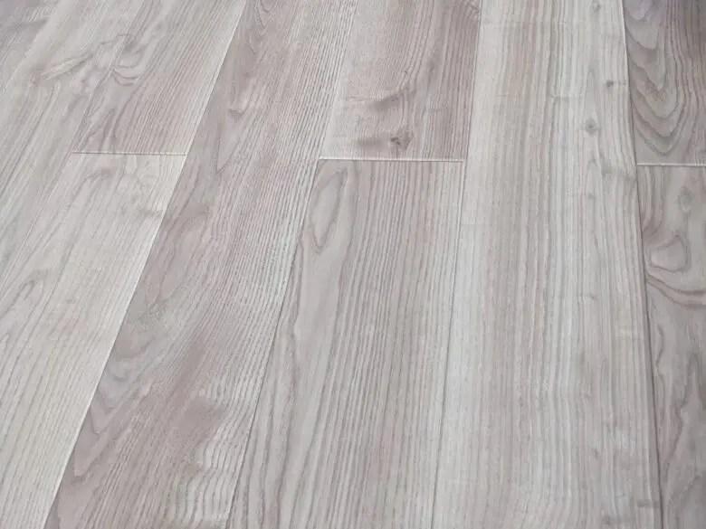 DAIKENのトリニティは床暖房向き。表面の質感の差は居心地の差につながる