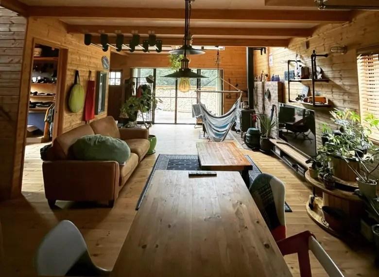 木造りの家のコンセプトは利便性より楽しむ家。遊び心があれば飽きがこない