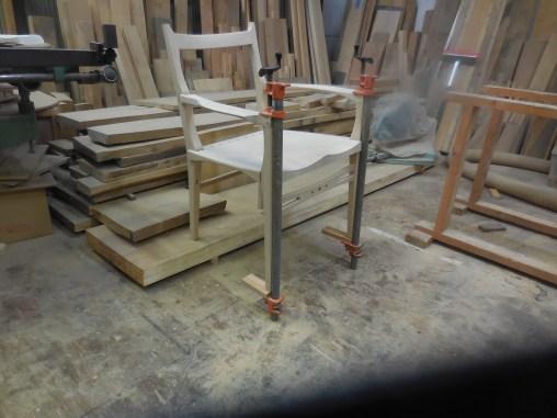 肘掛け椅子の組立