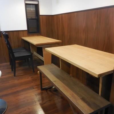 喫茶店のテーブル