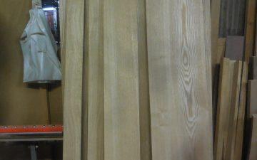 無垢のタモ材の本棚 木取り