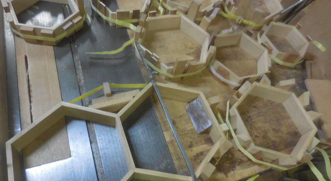 六角形 壁掛け棚