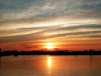 Laos, coucher le soleil sur le Mékong à Don Det