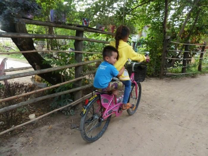 Laos, Don Det et ses enfants