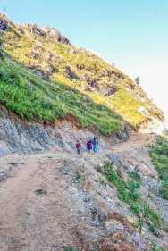 Les habitants de Ramkot se rendant à Bandipur