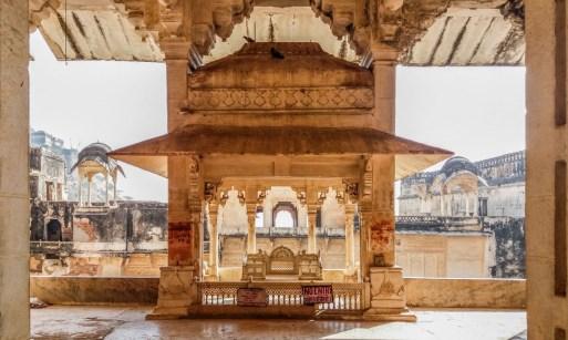 Le trône en marbre dans le Palace de Bundi