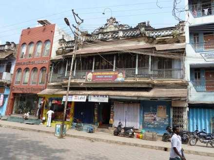 Façades d'habitation en bois sculpté à Madurai