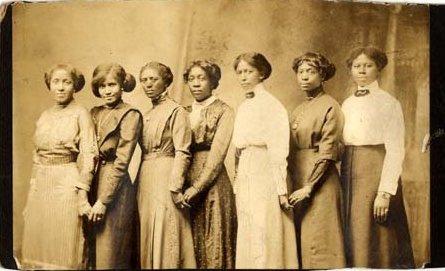 group-of-vintage-black-women