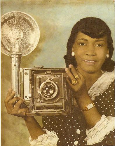 vintage-black-women-with-camera