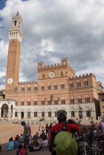 Piazza del Campo, onde acontece o Palio de Siena