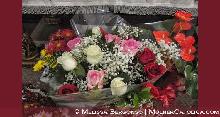Meu buquê de rosas para Nossa Senhora como tributo.