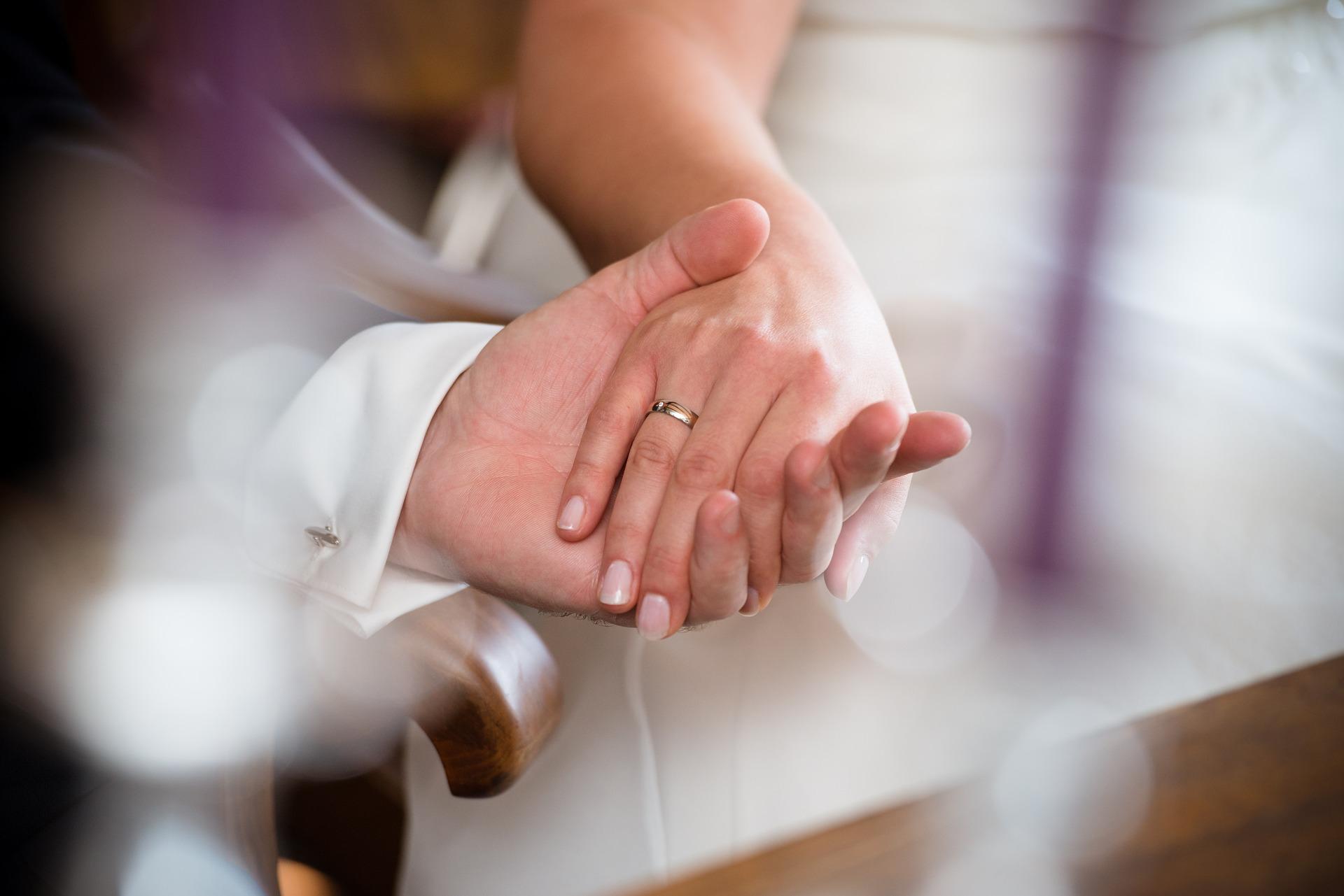 a esposa ganha o marido calada- fidelidade