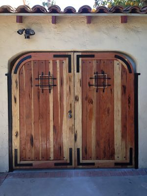 Calico wood entry gate