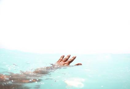 السباحة في البحر في المنام 2020 موقع ملخص