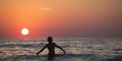 تفسير السباحة في المنام لابن سيرين