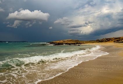 تفسير حلم سباحة في البحر